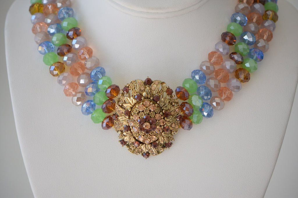 Beaded choker with pendant Necklace