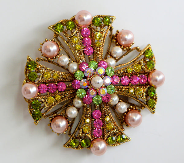 Heftsi Vintage Brooche With swarovski crystal and swarovski pearls