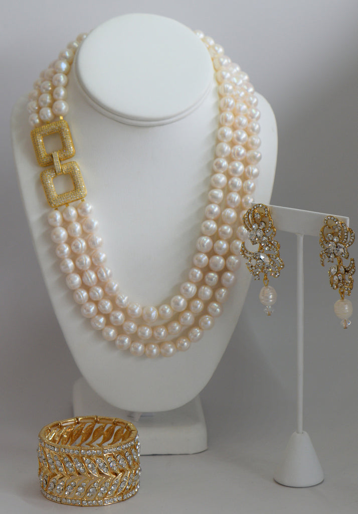 Heftsi Fresh Water Pearls, Side Gold Plated Clasp