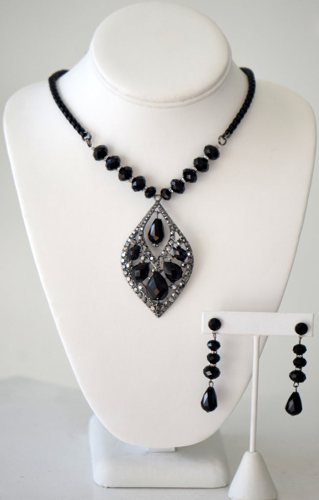 Black Crystal necklace with Large pendant Set