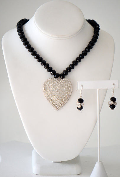 Black crystal neck.. with clear stone heart pendant matching Set