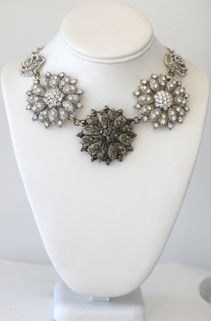 Heftsi The Big & Bold Flower Necklace