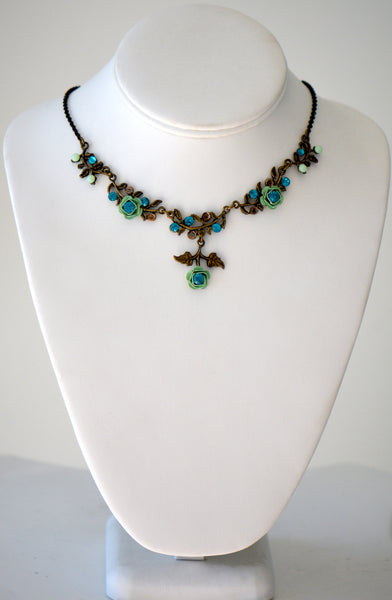 Romantic necklace with Swaroski crystals