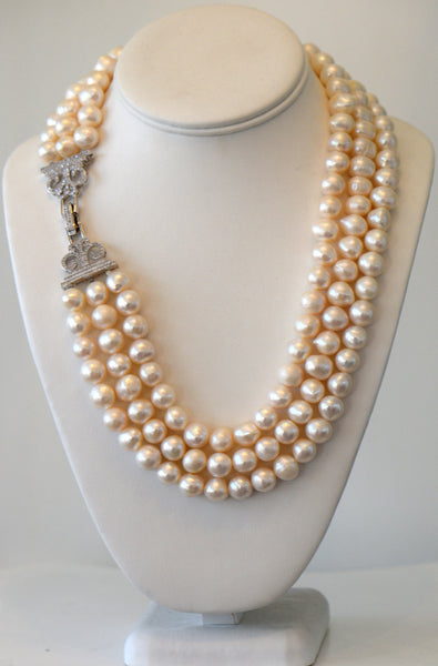 Heftsi Fresh Water Pearls Necklace