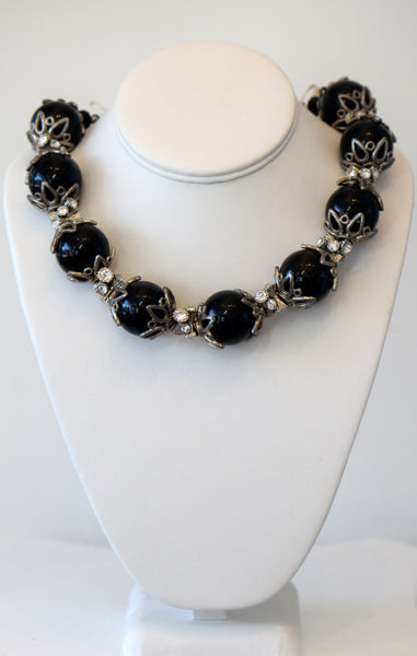 Heftsi Big Black Pearls Necklace