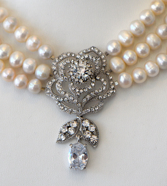 Heftsi Freshwater pearls Necklace with CZ Flower Center Piece