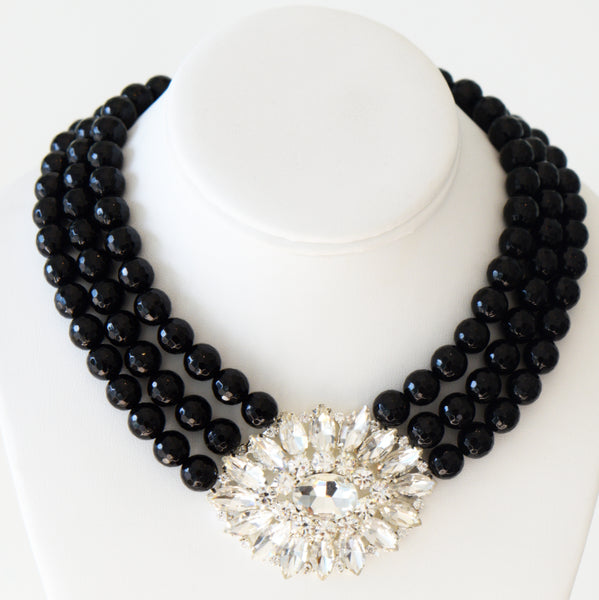 Heftsi Black Necklace With Vintage Inspiration Pendant