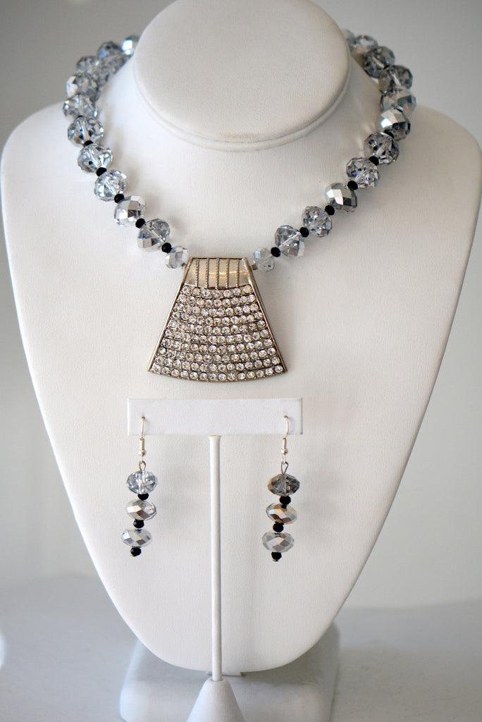 Black And Clear Crystal Necklace With Large Center Piece Center