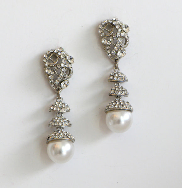 Heftsi Pearls Earrings