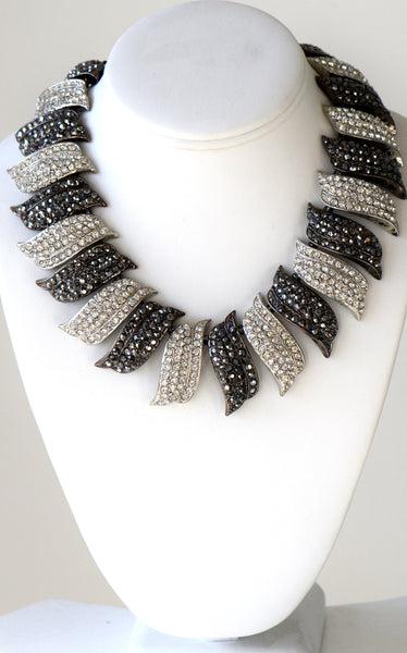 Heftsi Black And Clear rhienstone necklace