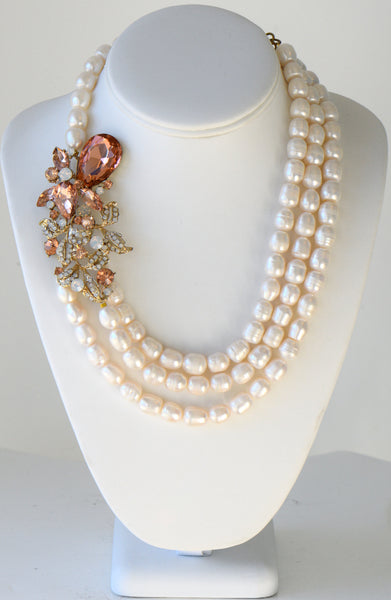 Heftsi Fresh Water Pearls Necklace With Large Side Flower Pendant