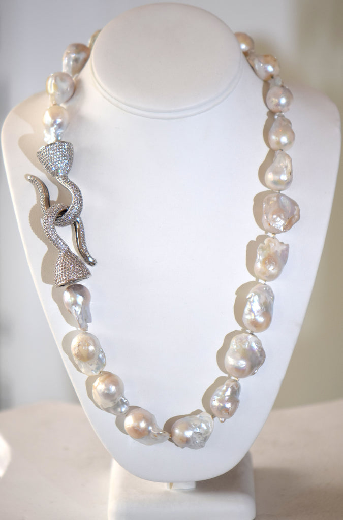 Heftsi Baroque Pearls necklace with large Pave clasp In Silver