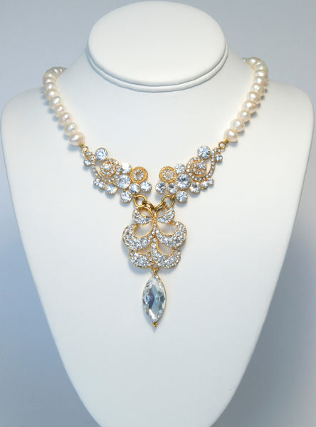 Heftsi Fresh Water Pearl Necklace with Large Center Piece