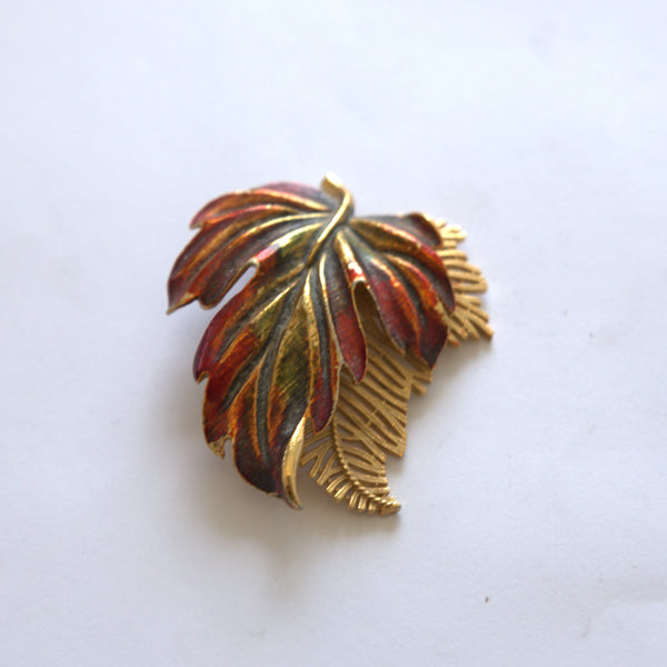 Vintage Autumn/ Fall Leaf pin/ Brooch