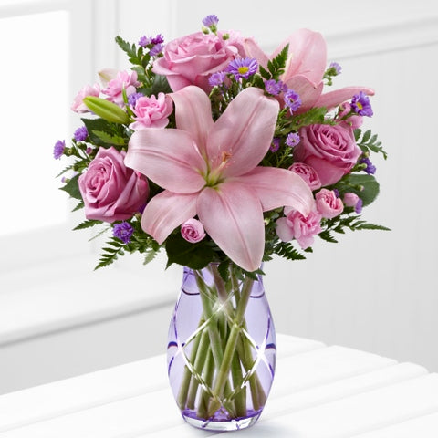 The Graceful Wonder Bouquet (FREE VASE)