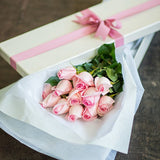 Box - 1 Dozen Boxed Roses (Multiple Colors Available)