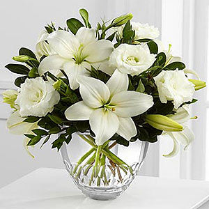 Vera Wang Exclusives - The White Elegance™ Bouquet By Vera Wang J-VW6