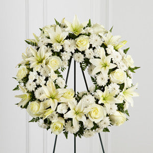 Wreath - The Treasured Tribute™ Wreath J-S3-4442