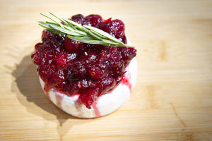 4 Ingredient Recipe: Baked Brie with Cranberry Sauce