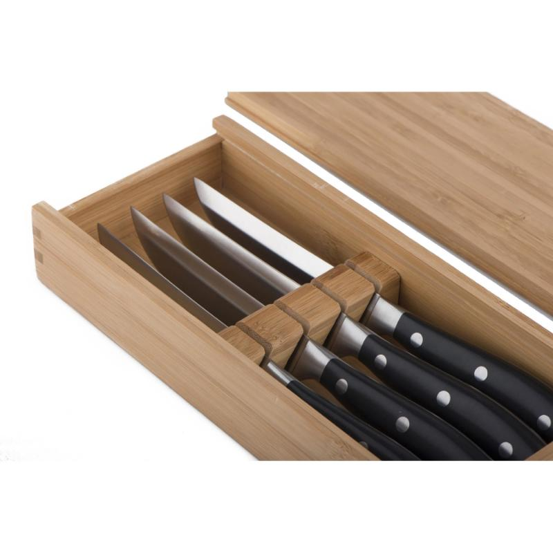 4 Traditional Steak Knives