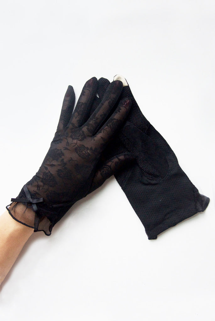 """Rosey Lace"" Black Tea Time Non-Slip Gloves"