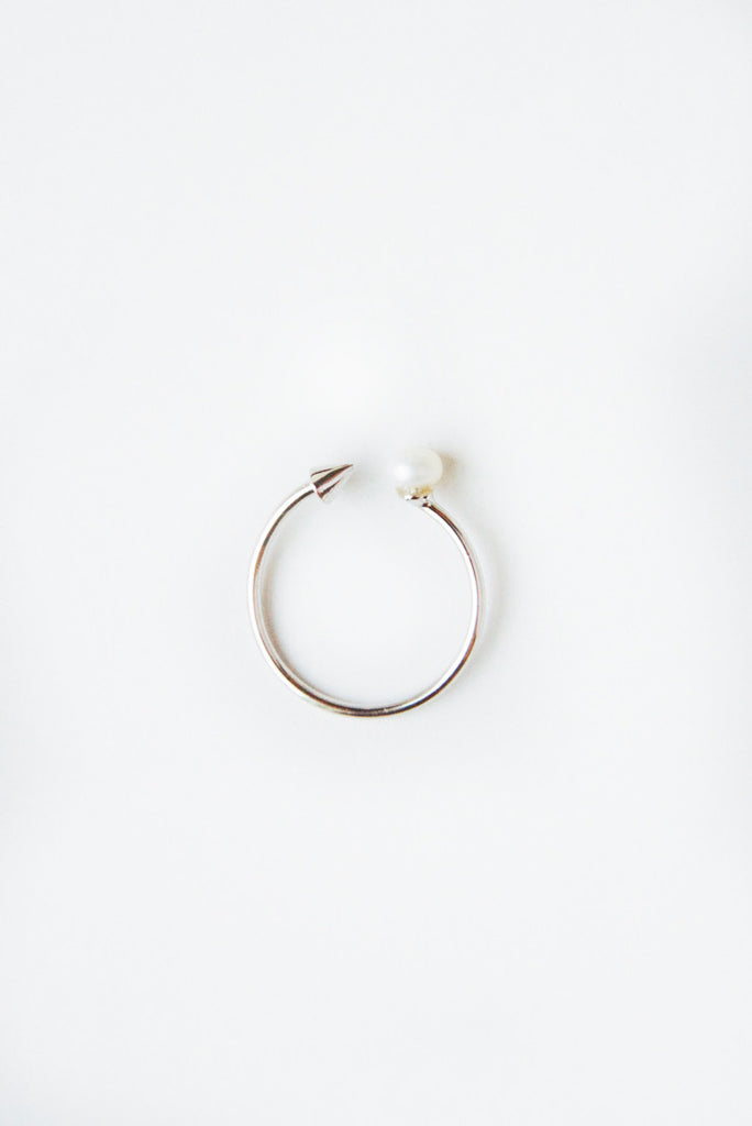 Spike & Pearl Ring -Silver