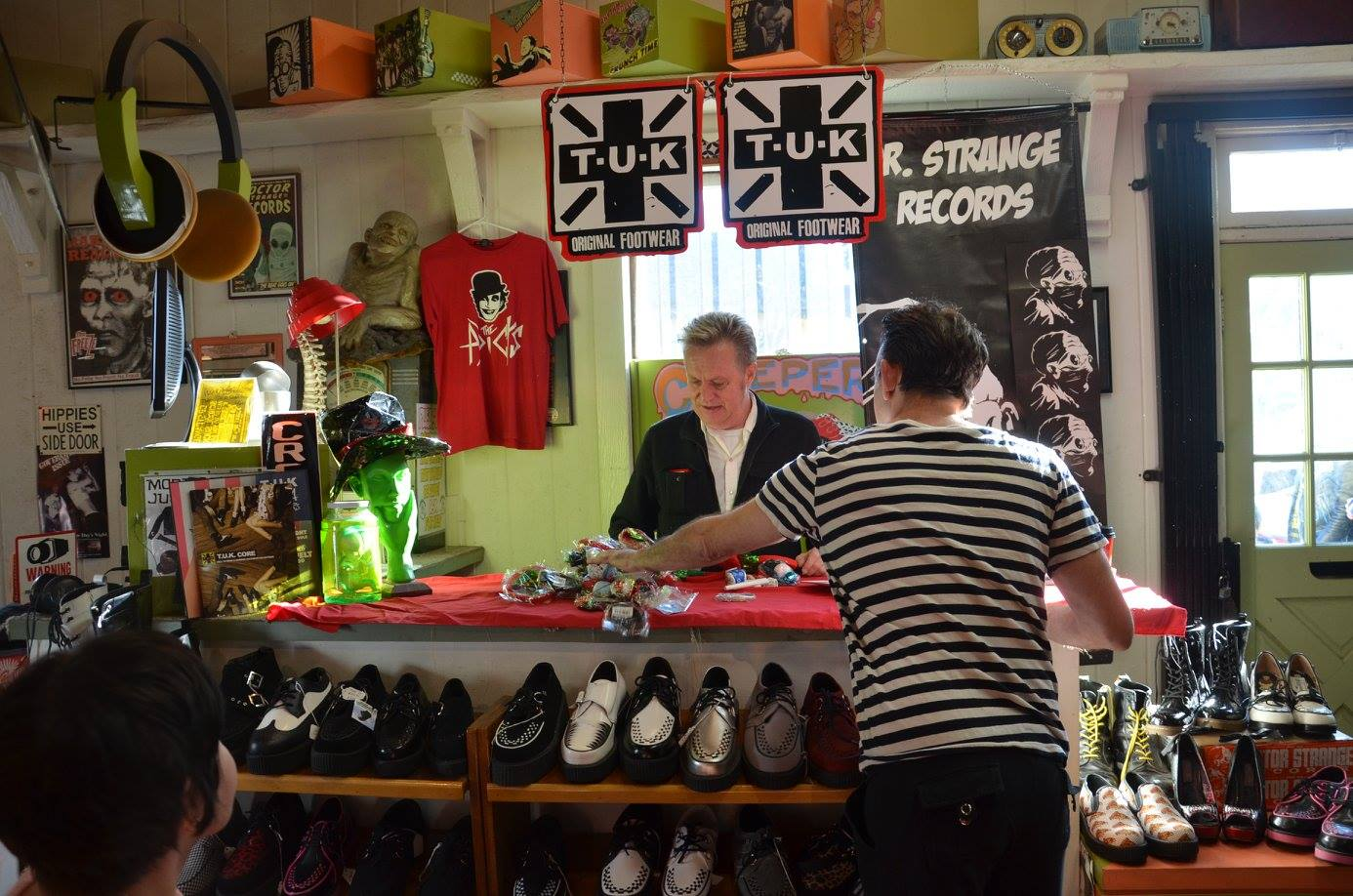 the adicts in-store dr strange records pic -66