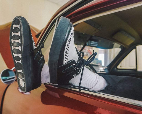 Black & White D-Ring VLK Sneaker