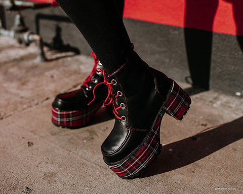 Black & Tartan Plaid Nosebleed Boot