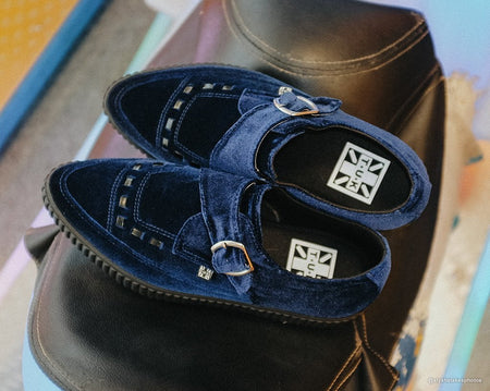 Midnight Blue Velvet Pointed Buckle EZC