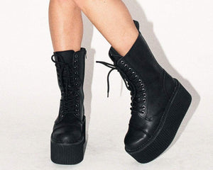 Black 12-Eye Casbah Stratocreeper Boot