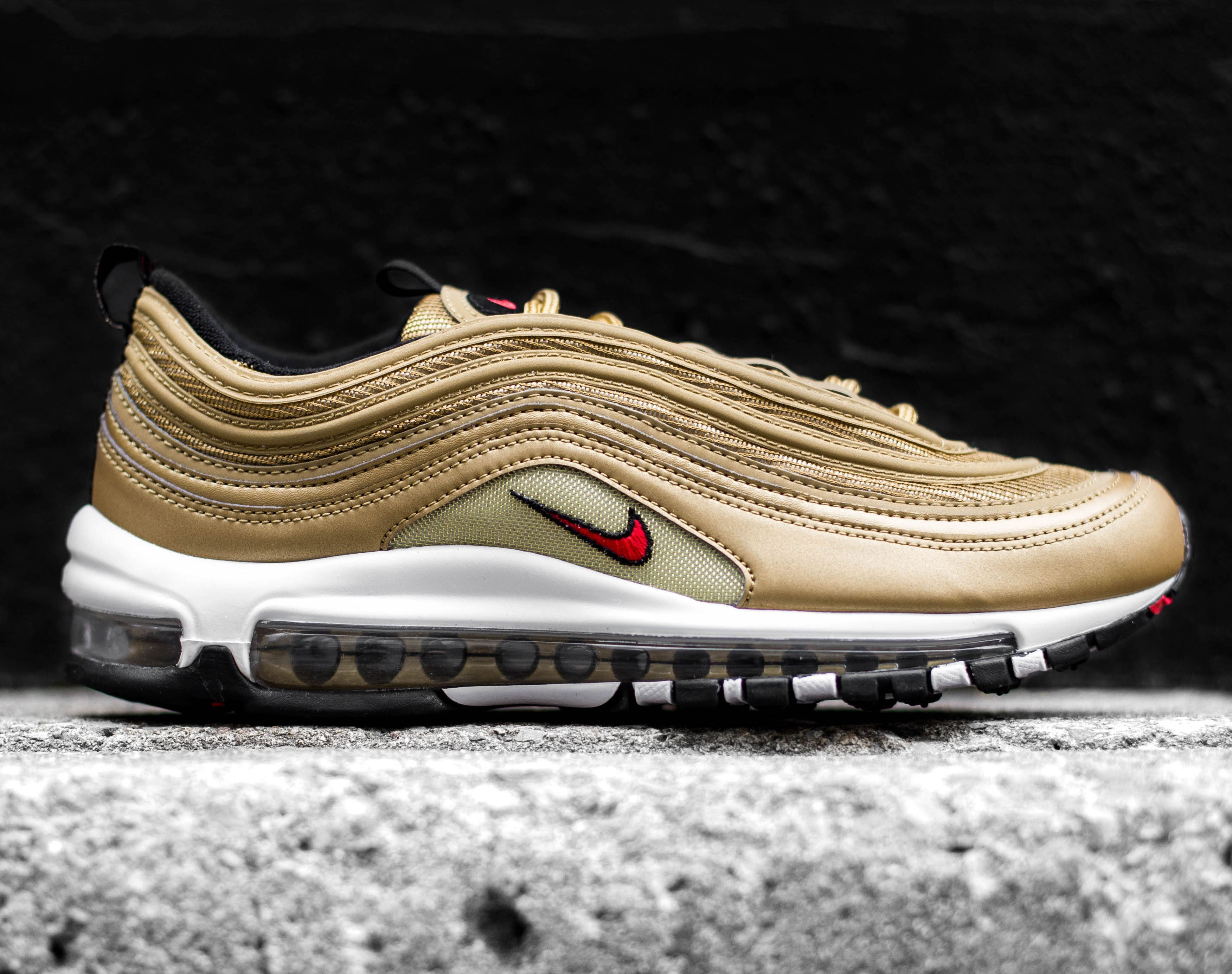 Nike Gold Bullet QS – Off The Hook