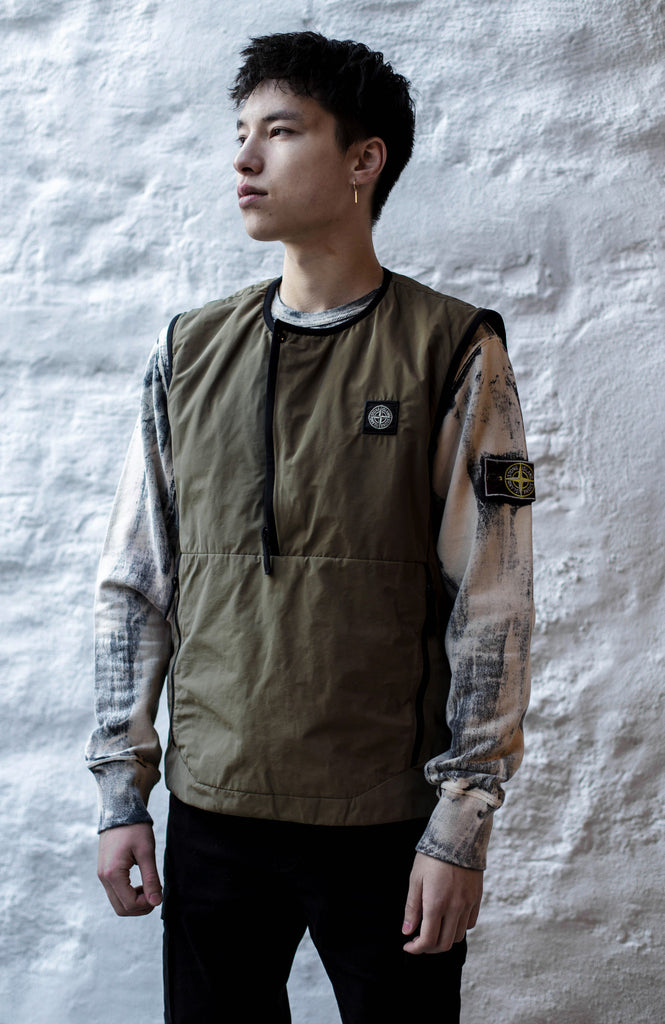 6754ccf9da49 ... ought to result in something functional, wearable, and, above all,  stylish. While the brand clearly aims for a balance between style and  function, ...