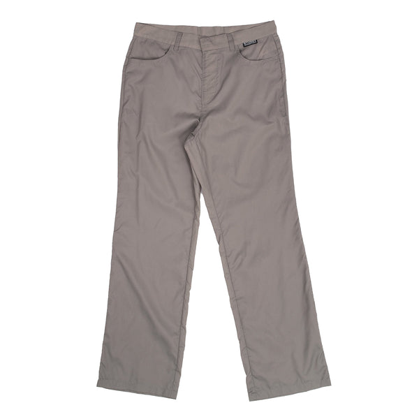 The Light Ripstop Pant in Taupe from Stussy have an oversized fit with a small woven flag label at the front waist.  100% Nylon Woven Product code: 216101 off the hook oth streetwear boutique canada montreal womens