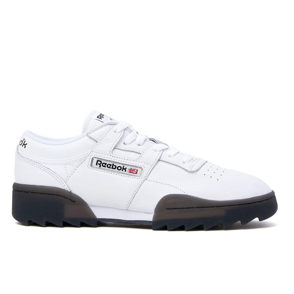This ever popular low-rise sneaker from Reebok sports smooth leather uppers, sitting atop eye-catching, chunky outsoles boasting a ripply design. Reebok logo detailing appears throughout, effortlessly completing the look.  This product is displayed in unisex sizing. Product code: DV6957 Workout Ripple OG Black / White off the hook oth streetwear boutique canada montreal sneakers shoes