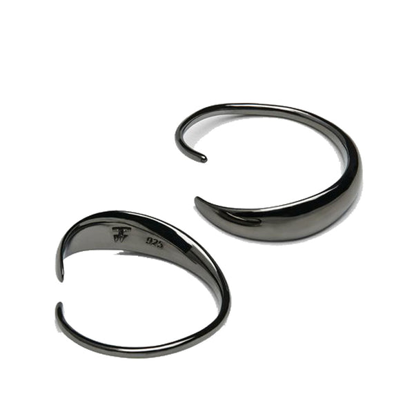 Delicate and sophisticated earrings. Made in high quality 925 sterling silver coated with black ruthenium. Width: 20mm.  Product code E38JZ-NA Ear Loop Black off the hook oth streetwear boutique canada montreal jewelry