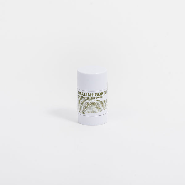 Malin+Goetz' bestselling natural Eucalyptus Deodorant is back in travel size. Infused with eucalyptus oil and citronellyl for a lasting effect, this compact deodorant is free of any aluminium, alcohol, baking soda, parabens and synthetic fragrances and dyes. The clear gel prevent any stains.