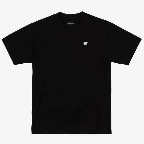 The Mini R&S T-Shirt in black from our homies at Mehrathon features an embroidered logo on the left chest. If you know, you know. black tee with Mehrathon embroidery on left chest. Now at Off The Hook, Montreal, Mtl, Quebec, QC, Canada. OTH. Men's tee, t-shirt.