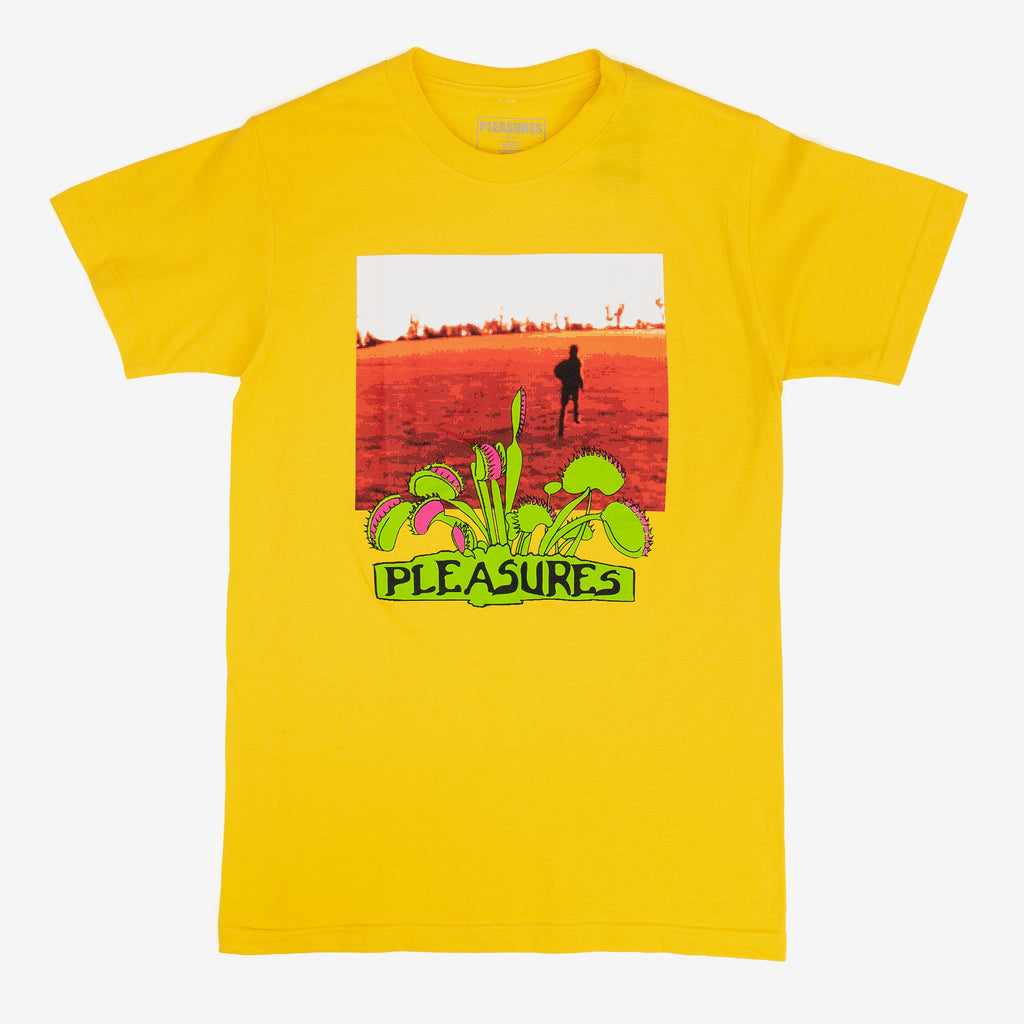 The Trapped T-Shirt in Yellow evokes Pleasures' home state of Cali with a graphic that radiates heat. Don't get lost in it.  100% Cotton Product code: P20SU052 off the hook oth streetwear boutique canada montreal