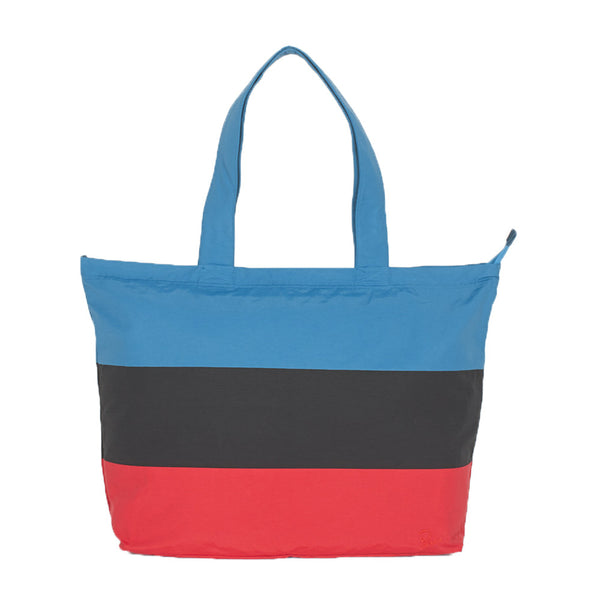 Whether it's for running errands or going to the beach, this large, multi purpose nylon tote bag from By Parra keeps it stylish and functional at the same time with a full zip closure and an inner pouch pocket. panelled summer tote off the hook oth streetwear boutique canada accessory