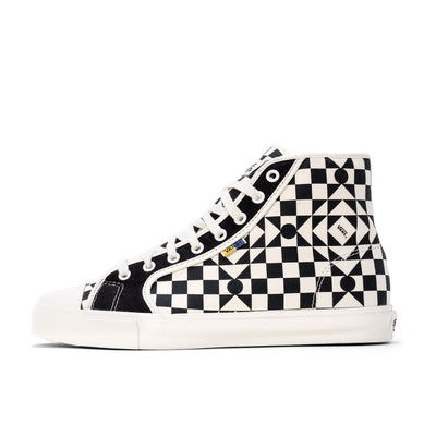 Vans UA M Th OG Style 24 LX - Checkerboard White / Black - Side - Off The Hook Montreal