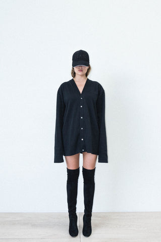 OVERSIZED CARDIGAN DRESS IN BLACK RIBBED COTTON