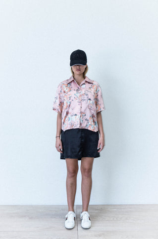 SHORT SLEEVE LAPEL SHIRT IN FLORAL PRINT SATIN THREE PART FLORAL PRINT