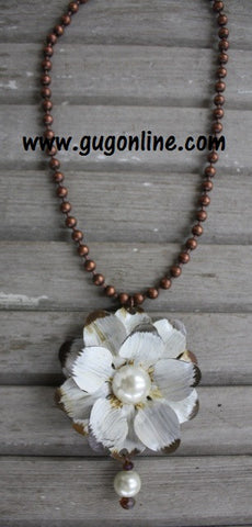 Short Rust Chain with Bone White and Pearl Metal Flower