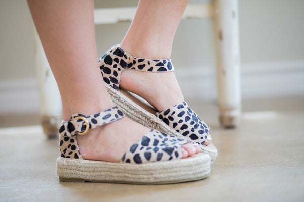 Cute Trendy Flat Espadrille Sandals Leopard Cheetah Wedge