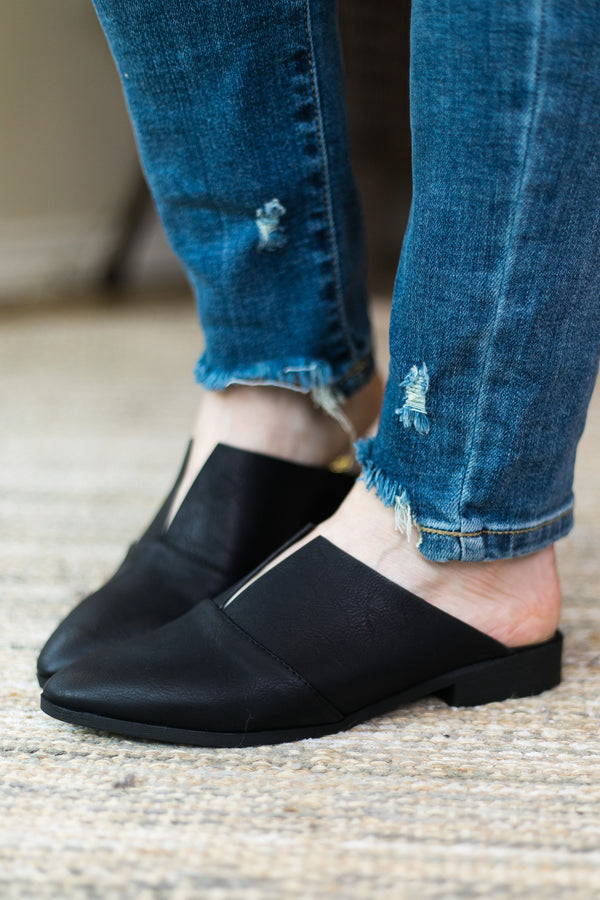 Clued In Flat Slide In Mules with V Cut in Black