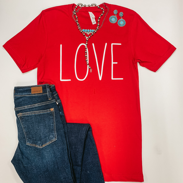 Love Short Sleeve Crew Neck Graphic Tee in Red