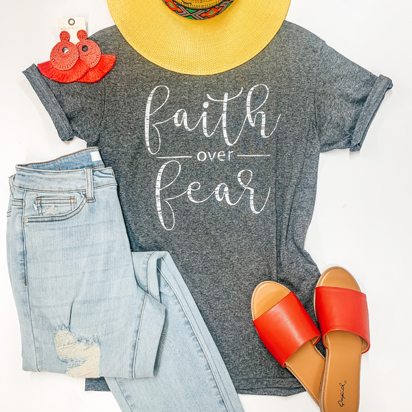 Faith Over Fear Short Sleeve Graphic Tee in Heather Grey
