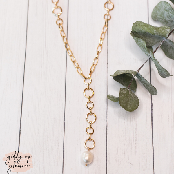 Gold Linked Chain Necklace with Pearl Charm
