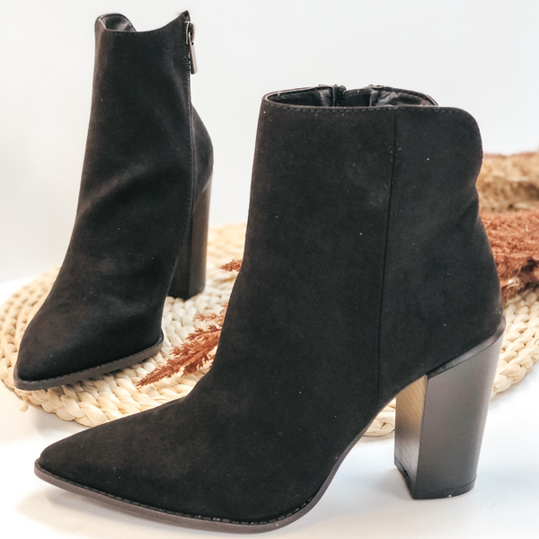 Walking By Side Zip Heeled Booties with Pointed Toe in Black